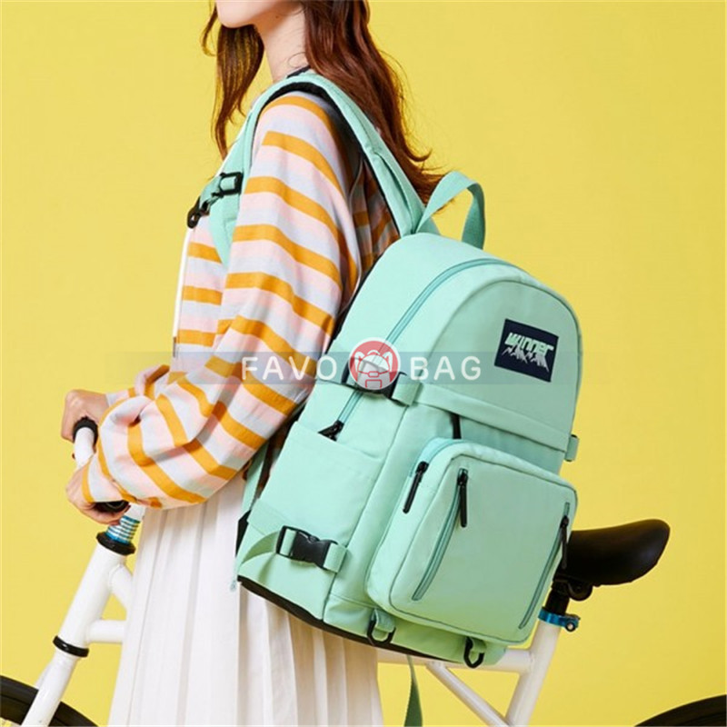 College Leisure School Bag Waterproof Backpack Purse with USB Charge Port
