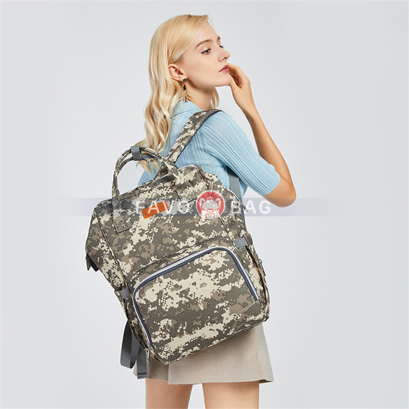Fashion Camouflage Diaper Bag Backpack Big Mummy Dad Bag Handbag with USB Charging Port